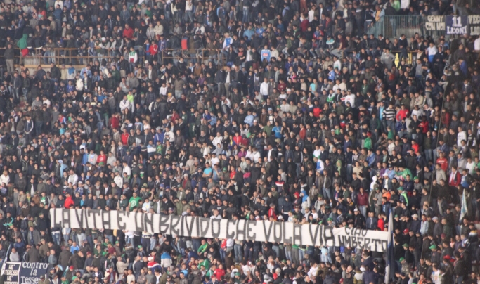 Napoli - Genoa, striscioni e spalti