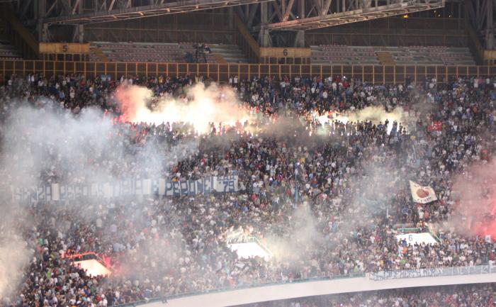 Napoli-Inter STRISCIONI e spalti